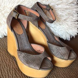 Joie Weber platform wedge raffia wood sandal peep